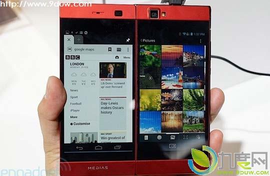 NEC刚刚正式亮相了折叠的双屏智能手机Medias W正式版,Medias W相当轻薄,同时系统运行也相当流畅(主要是针对软件双屏显示问题),最重要的是将于四月率先在日本开售。 从外观上看,你会觉得Medias W是一部非常普通的手机,不过它展开后,就变成了一个平板(官方用Tablet来描述),即两块4.