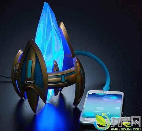 《星际争霸》官方神族水晶塔usb充电座开卖