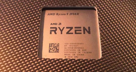 """AMD发布史上第一颗主流桌面级16核心处理器""""锐龙9 3950X"""""""